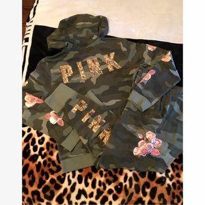 PINK VS Camouflage Flower Bling Set